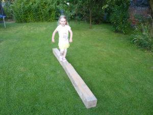 Kladina - hráme sa s deťmi na záhrade